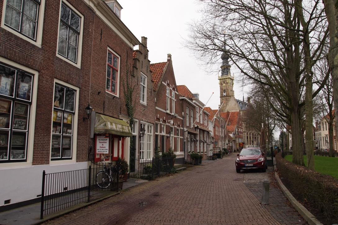 Der Marktplatz von Veere mit dem alten Rathaus im Hintergrund.