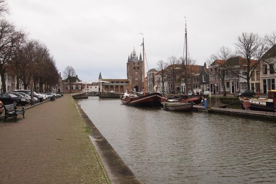 Der alte Hafen in Zierikzee.